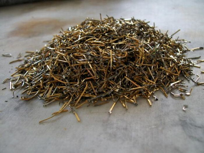 Process of Gold Extraction from Motherboards (18 pics)