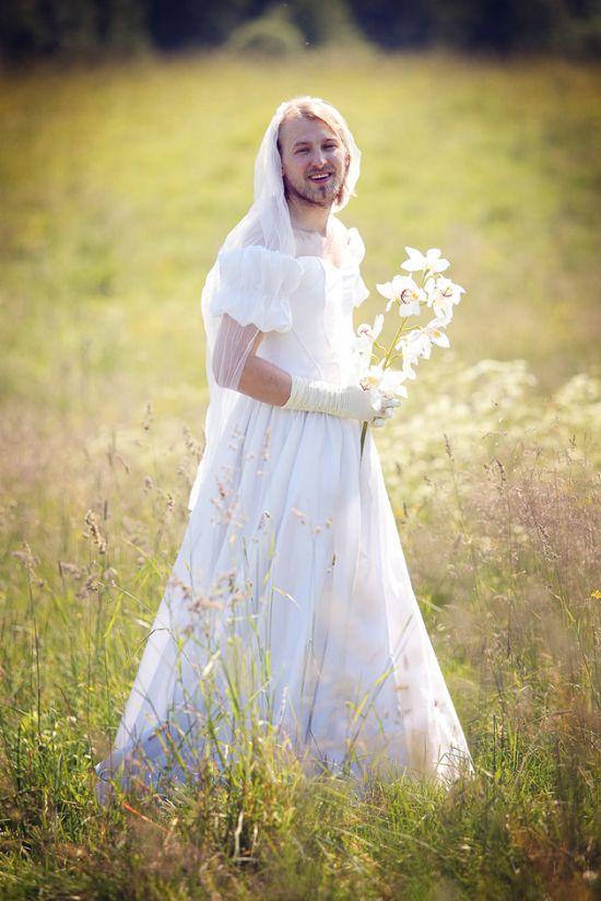 A Russian Bride (52 pics)