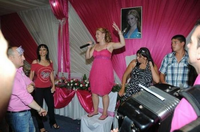 Birthday Party of a Gypsy Girl from Serbia (16 pics)