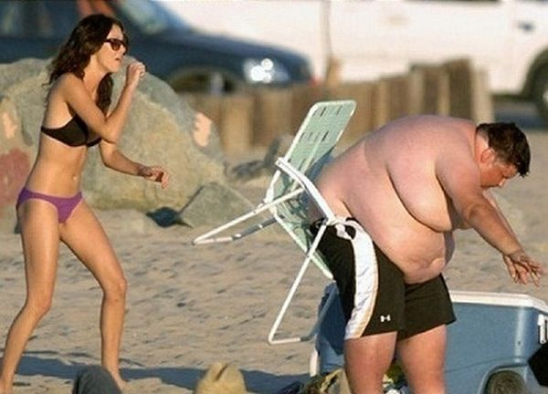 Fat Guy on a Beach Fail (6 pics)