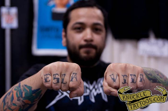 Knuckle Tattoos (80 pics)