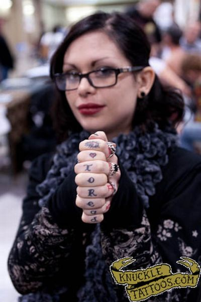 Knuckle Tattoos (80 pics)