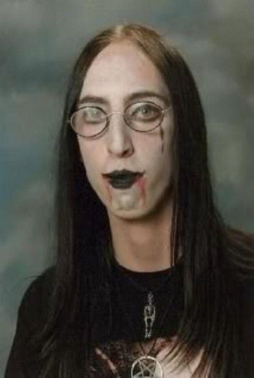 Photos of Goths (25 pics)