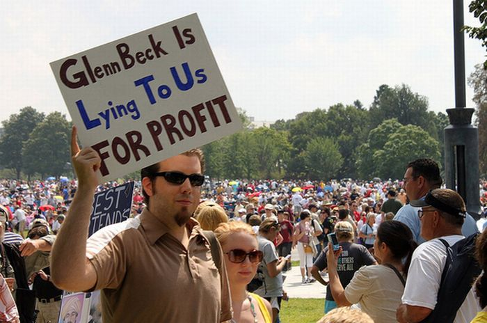 The Best Anti-Glenn Beck Signs At The Glenn Beck Rally (20 pics)