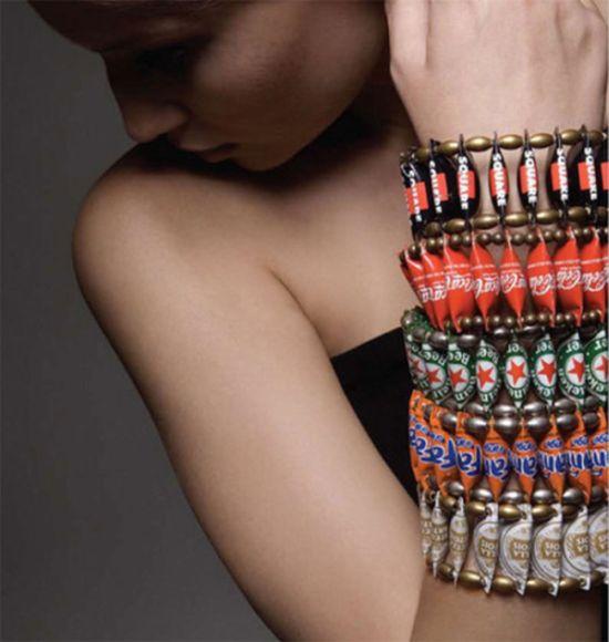 Bottle Cap Jewelry (13 pics)