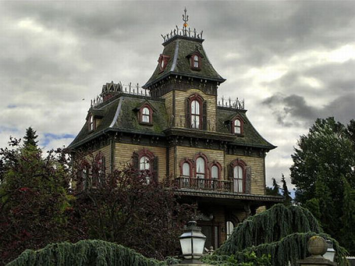 Fairy Tales Houses in Real World (46 pics)
