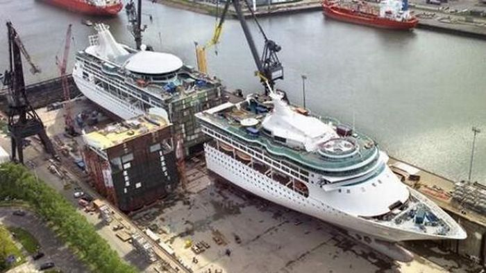 How to Lengthen a Ship (4 pics)