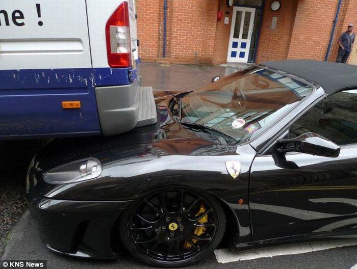 $215,000 Ferrari vs a Delivery Van (2 pics)