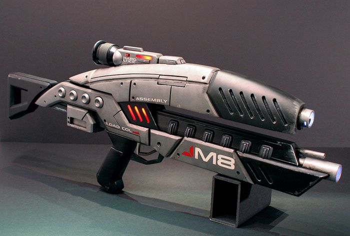 Mass Effect M8 Avenger Assault Rifle (61 pics)