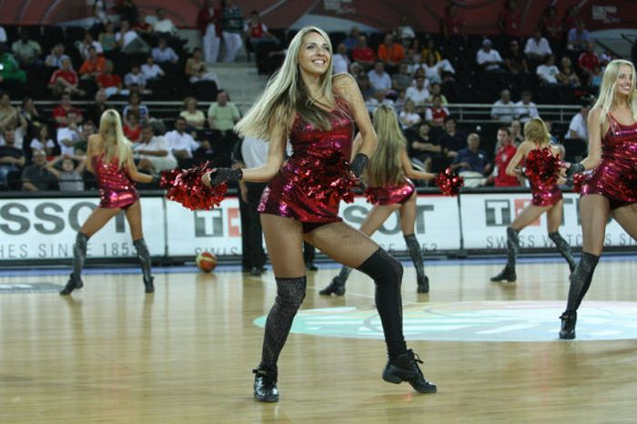Banned Cheerleaders (19 pics)
