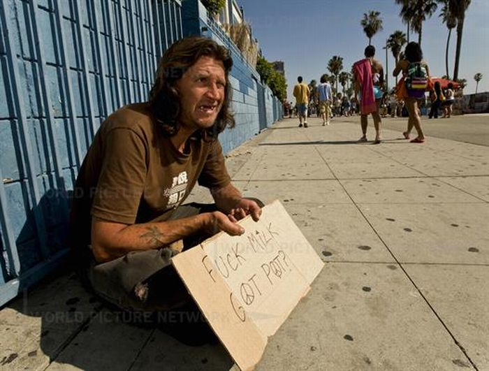 California's Most Creative Panhandlers (23 pics)