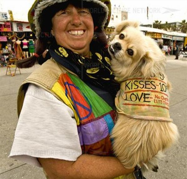 California's Most Creative Panhandlers (23 pics)