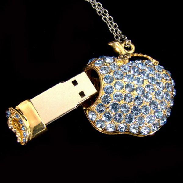 Beautiful USB Jewelry (11 pics)