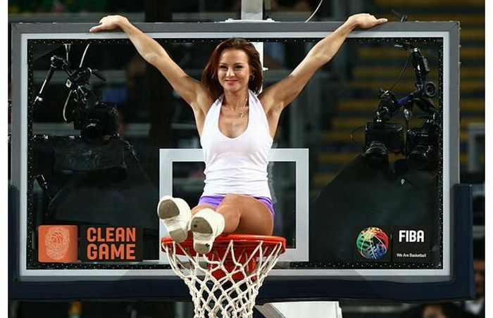 Cheerleaders at the FIBA World Championships (32 pics)