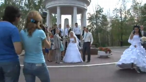 Fight at a Russian Wedding. Photographer vs. Videographer