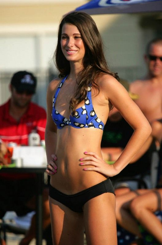 Las Vegas Pool Party Girls (96 pics)