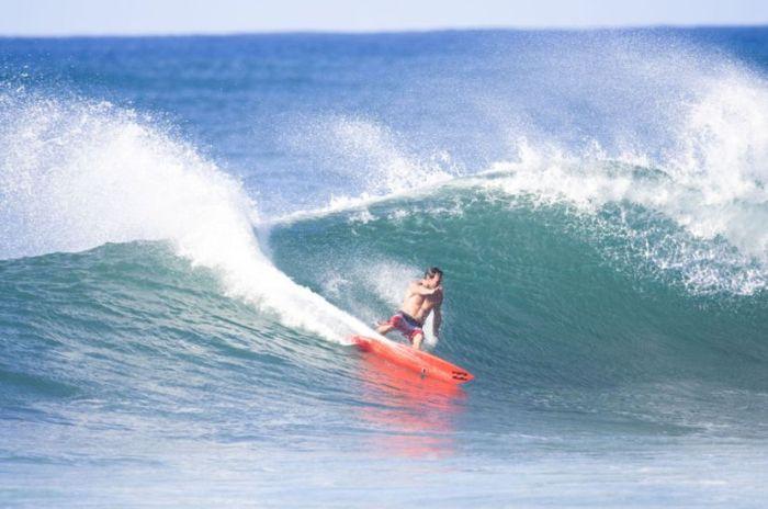 Breathtaking Surfing Photographs (35 pics)