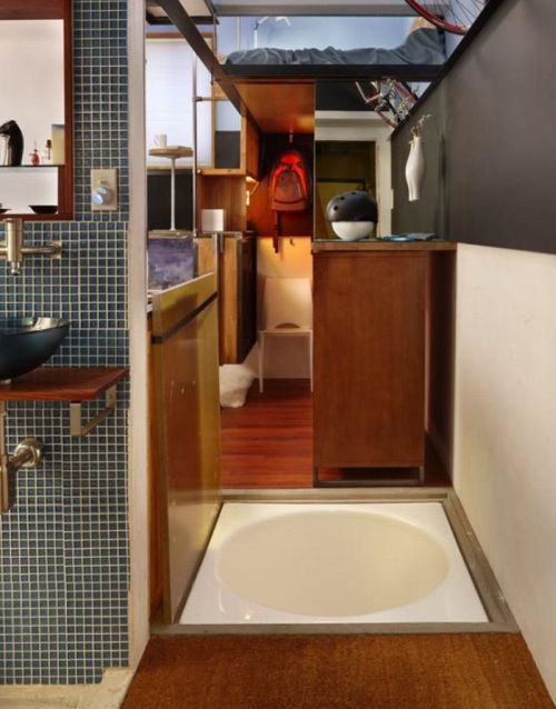 182-Square-Foot Apartment (7 pics)