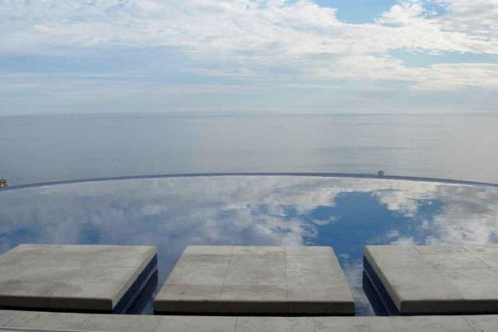The Most Beautiful Infinity Pools (25 pics)