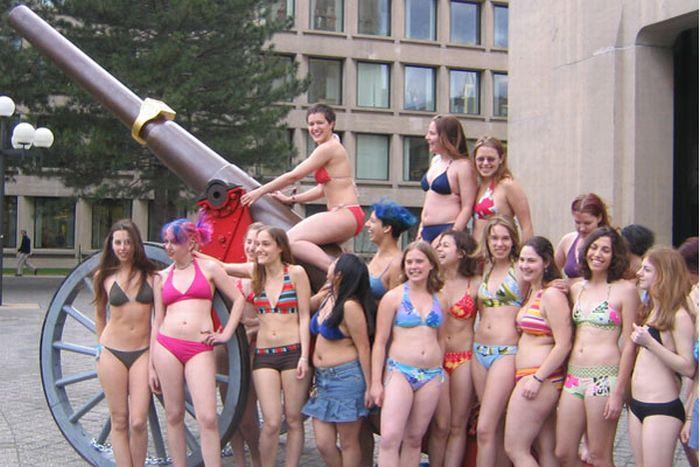 MIT Girls (8 pics)