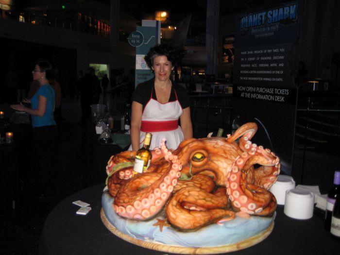 Giant Octopus Cake (6 pics)
