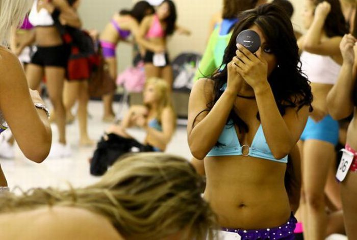 Basketball Cheerleaders Tryouts (30 pics)