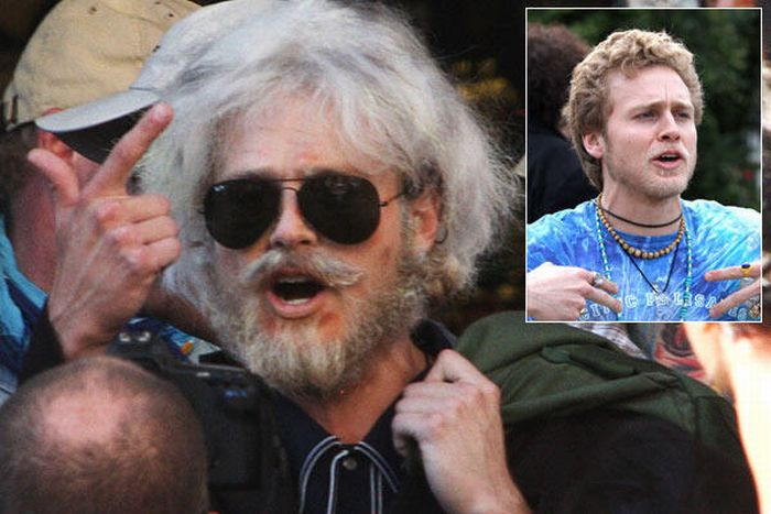 Celebrities in Ridiculous Disguises (24 pics)