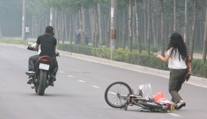 Hit and Run. Chinese Style (7 pics)
