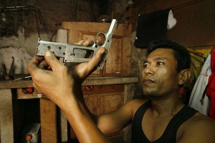 Underground Gun Making Industry in the Philippines (27 pics)