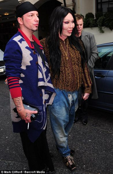 New Photos of Pete Burns (11 pics)