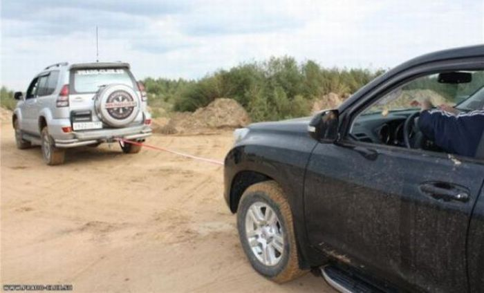 SUV Test Ride Gone Bad (7 pics + video)
