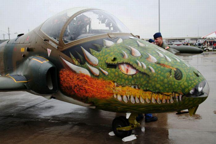 Awesome Aircraft Nose Art (23 pics)