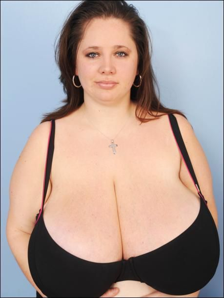 Giant Boobs 25 Pics-3607