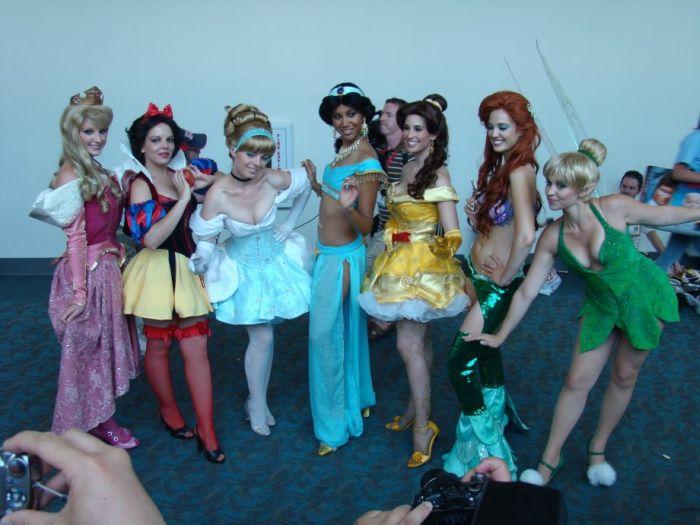 Sexy Disney Princesses (30 pics)