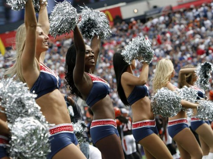 Cheerleaders (50 pics)