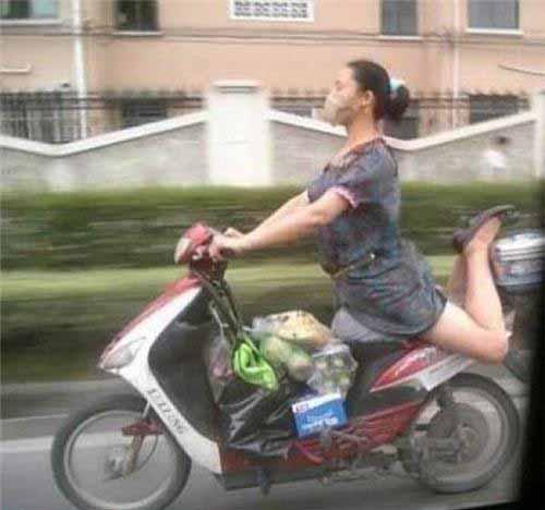 Hilarious Ways of Transportation (25 pics)