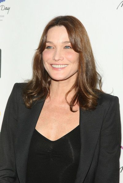 The Official Carla Bruni Facelift Timeline (15 pics)