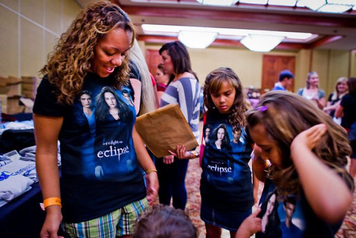 Twilight Fans Gathering (19 pics)