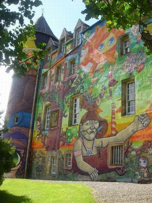 Graffiti Castle in Scotland (15 pics)