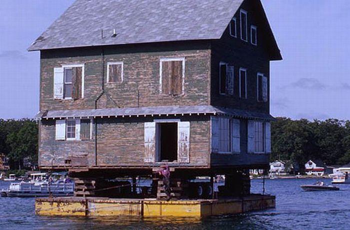 Big Houses Transportation (26 pics)