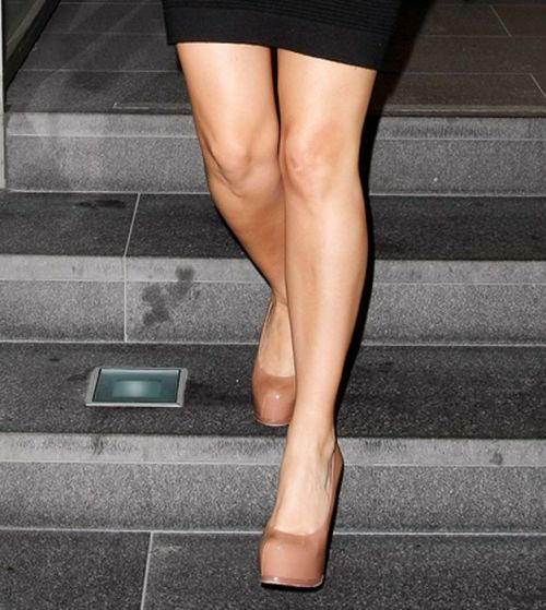 Guess the Owners of These Hot Legs (44 pics)