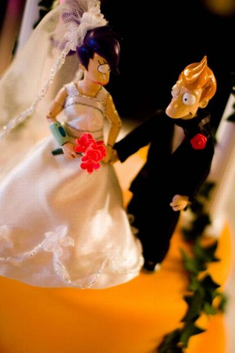 Awesome Futurama Wedding Cake (10 pics)