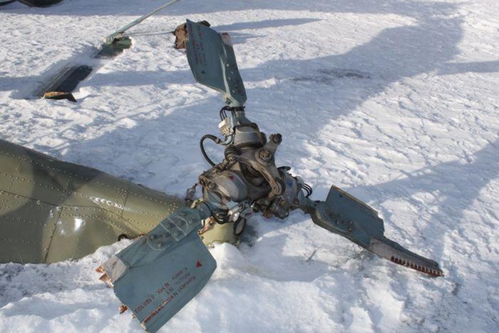Abandoned Russian MI-8 (11 pics)