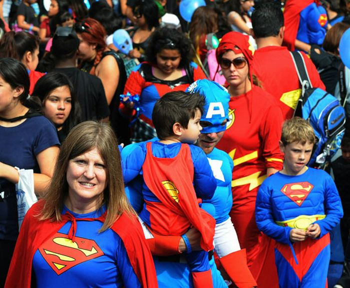 Largest Gathering of Superheroes (20 pics)