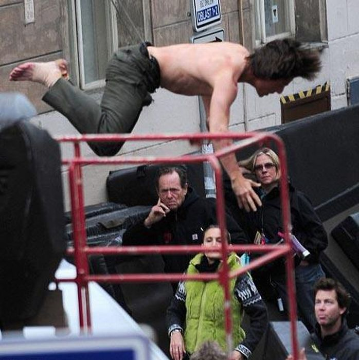 Tom Cruise During the Filming of Mission Impossible 4 in Prague (11 pics)