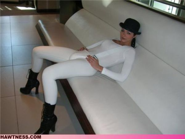 Hot Girls Doing Strange Things. Part 4 (66 pics)