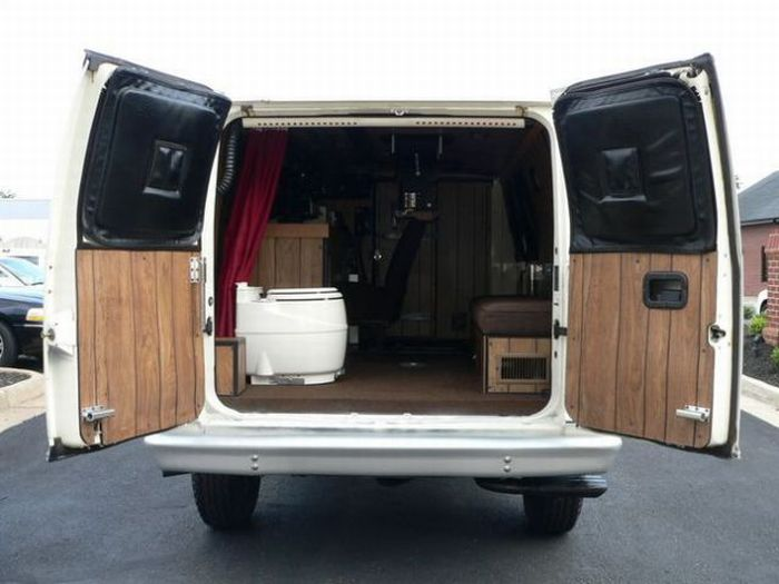 Awesome Van (13 pics)