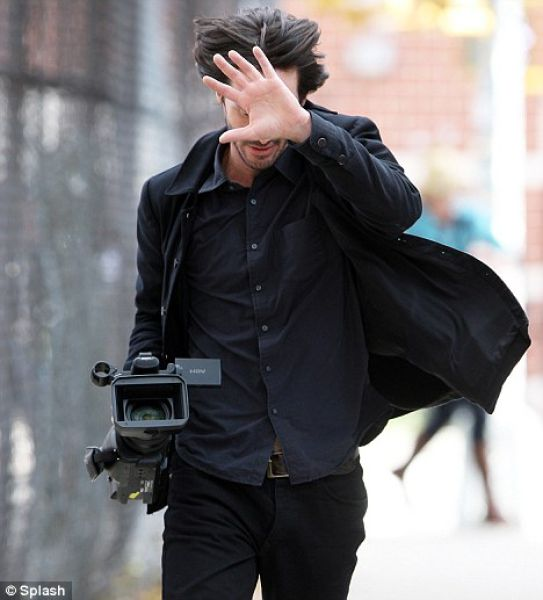 Happy Keanu (39 pics + 1 gif)
