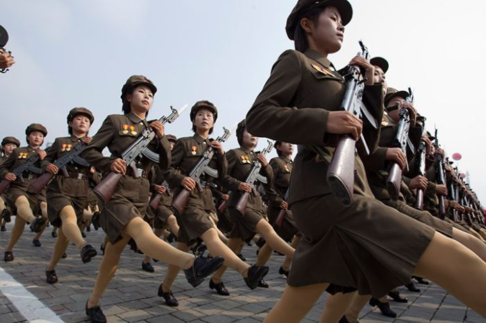 Parade in North Korea (43 pics)