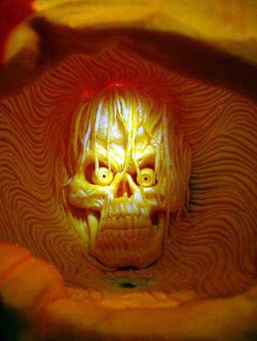 Incredible Pumpkin Carvings (19 pics)